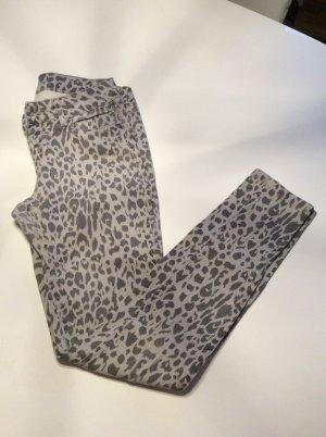 Graue Leoprint Jeanshose Größe 34 von Primark