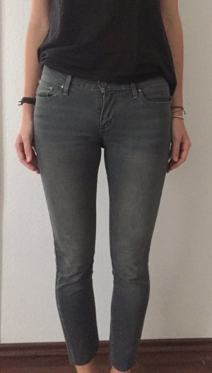 Graue Levi's Skinny Jeans Gr. 26