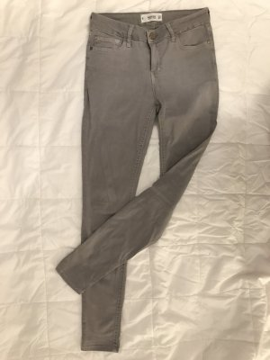 Mango Jeans a sigaretta argento-grigio