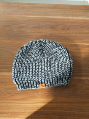 Graue Mütze von Cleptomanicx