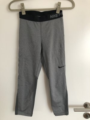 Graue Nike Pro Dri-Fit Sporthose
