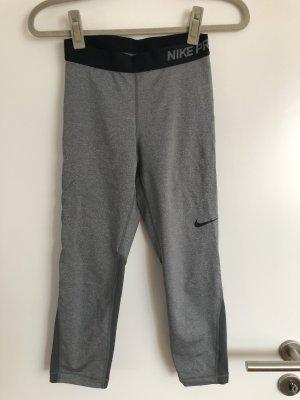 Nike pantalonera negro-gris