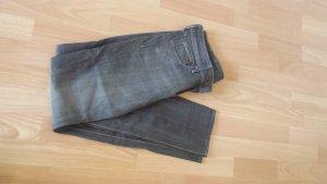 Graue Röhren Jeans Gr.27