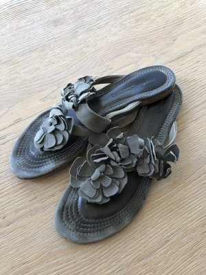Graue Sandalen von Kennel & Schmenger