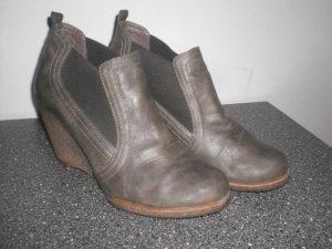 graue Schuhe Gr.40 mil Keilabsatz