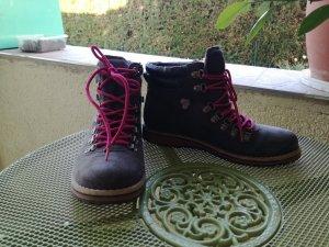 graue Schuhe mit feminirnen Note
