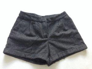 Graue Shorts für Herbst/Winter