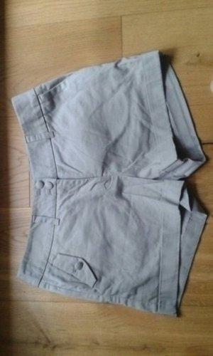 Graue Shorts von H&M