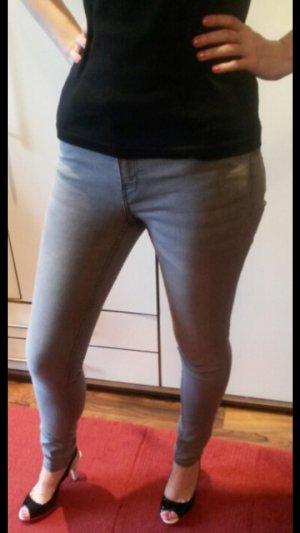 Graue Skinny-Jeans von H&M