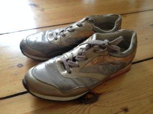 Graue Sneaker *schön*