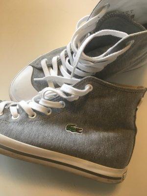 Graue Sneaker von Lacoste