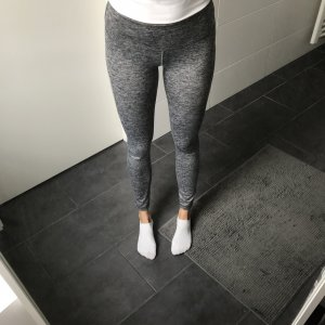 graue Sportleggings Fitness