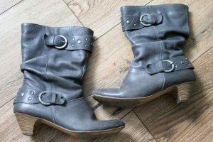graue Stiefel von Görtz mit Schnallen und Nieten in Größe 39