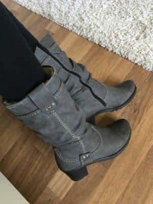 Graue Stiefel von Rieker