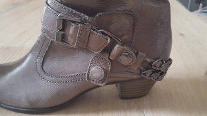 Graue Stiefelette aus Leder von Kennel & Schmenger