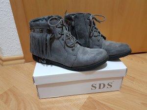 Graue Stiefeletten Boots Sneakers knöchelhoche Halbschuhe Gr. 39 mit Fransen
