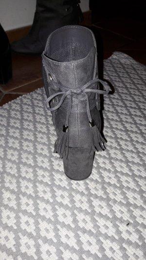 Graue Stiefeletten, Größe 40