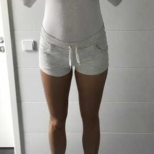graue Stoffshorts Fitness Workout
