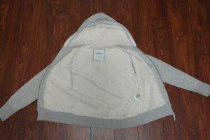 graue Strickjacke für den Winter mit Teddyfell von H&M