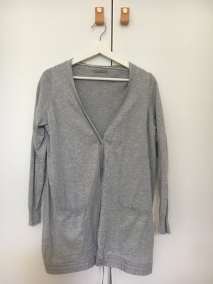 Graue Strickjacke von COS