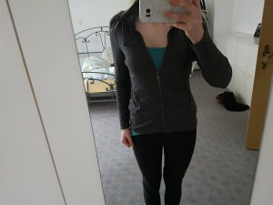 Graue Sweatshirtjacke