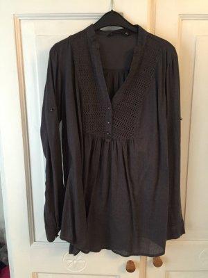 Graue TUNIKA-Bluse mit schönen Details