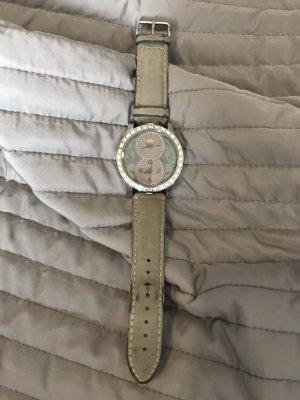 Graue Uhr mit zwei Zifferblätter