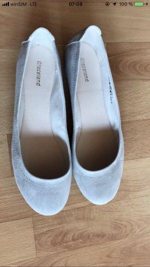 Graceland Bailarinas de charol con tacón gris claro