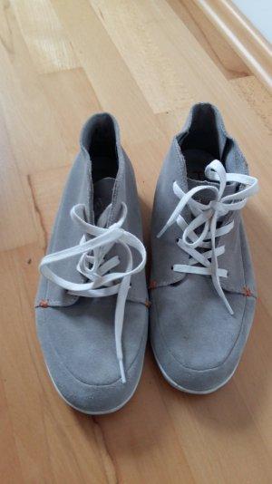 Graue Velour Sneaker von HUB Größe 39