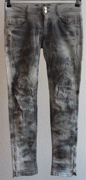 Graue Washed Batik Jeans