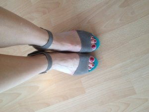 s.Oliver SELECTION Wedge Sandals dark grey-turquoise