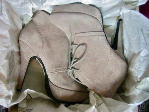 Graue Wildleder Plateau-Ankle-Boots Stiefeletten Ankle Boots Pumps Cox – NEU!