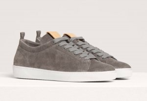 Graue Wildleder Sneaker Closed