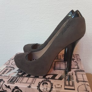 Graue Wildlederpumps von Killah by Miss Sixty in Größe 40