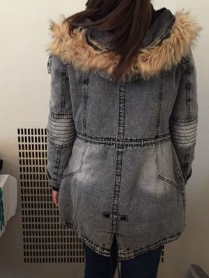 Graue Winterjacke in Jeansoptik