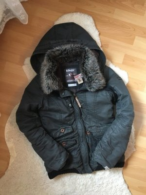 Graue Winterjacke von khujo mit Fellkragen
