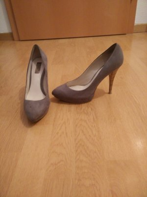 Graue Zara Pumps in Wildleder