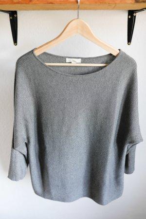 Grauer 3/4-Arm-Pullover