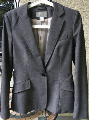 Grauer Anzug Gr. 36/38, H&M