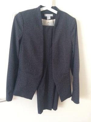 Grauer Anzug H&M, sehr schön geschnitten