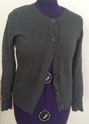 grauer Cardigan mit großen Knöpfen von H&M 40