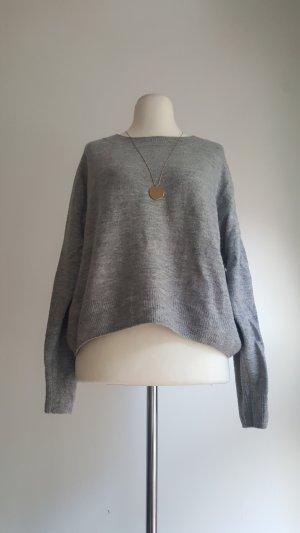 grauer dünner Pullover