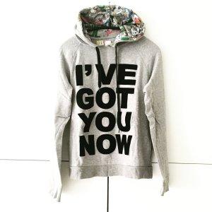 grauer hoodie mit 2 taschen