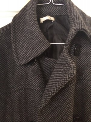 Grauer knielanger Mantel von Promod