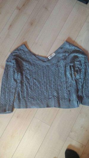 Grauer kurzer Strick-Pullover von Hollister