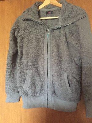 Pullover in pile grigio