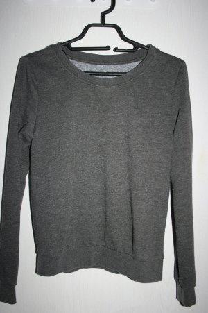 grauer kuschliger Pullover 34