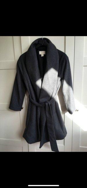 Grauer Mantel H&M