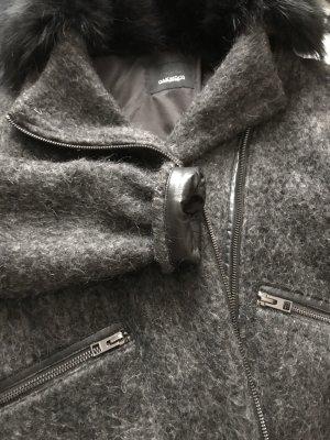 Grauer Mantel von Oakwood