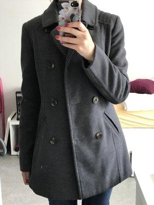 Grauer Mantel von Orsay